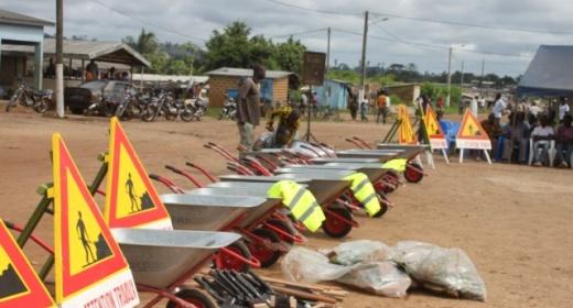 en attendant l'Etat, l'autorité portuaire s'implique fortement dans les travaux de réparation manuels. feature image