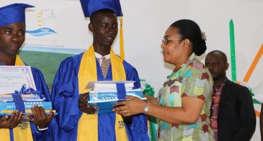 Le Port Autonome de San Pedro soutien le mérite et l'excellence dans l'école ivoirienne feature image